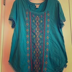 Beautiful embroidered Sundance short sleeve top
